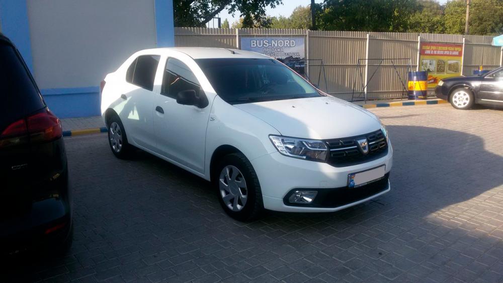 Dacia Logan почти новая