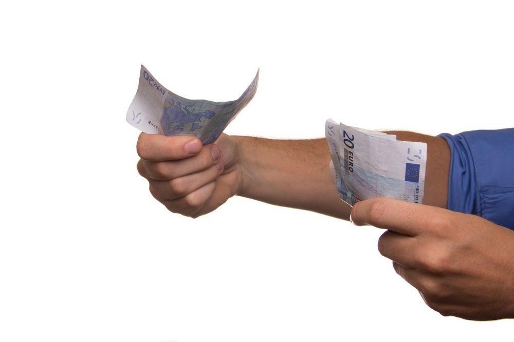 Доллар дорожает четвёртый раз подряд настарте торгов 13ноября