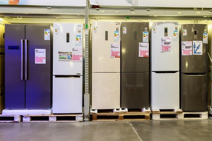Холодильники в магазине