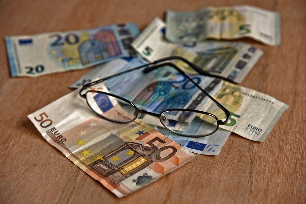 Нацбанк резко снизил официальный курс гривны