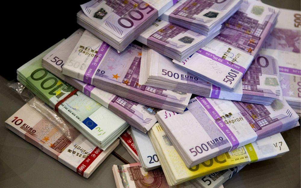 20:151064 Семидневная Панорама Что теперь будет с евро? Официальный курс валют Евро продолжает расти