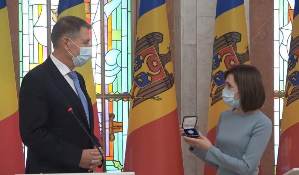 Йоханнис: Румыния предоставит Молдове 200 000 доз вакцин от COVID