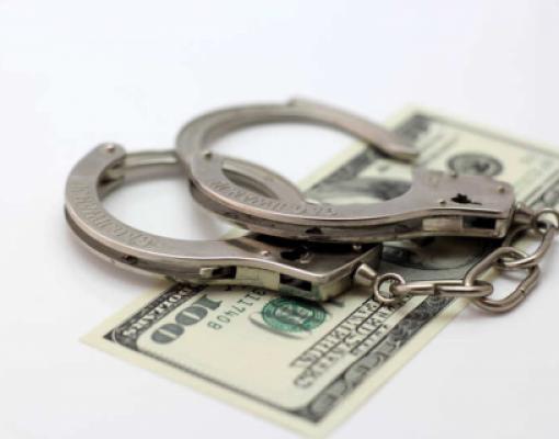 Взятка, наручники, доллары