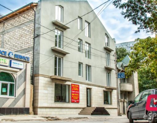 Швейная фабрика на ул. Хотинская в Бельцах