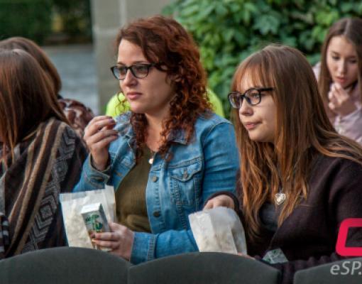 Бельцкие студенты с помощью «Великого Гэтсби» собрали деньги на деревья