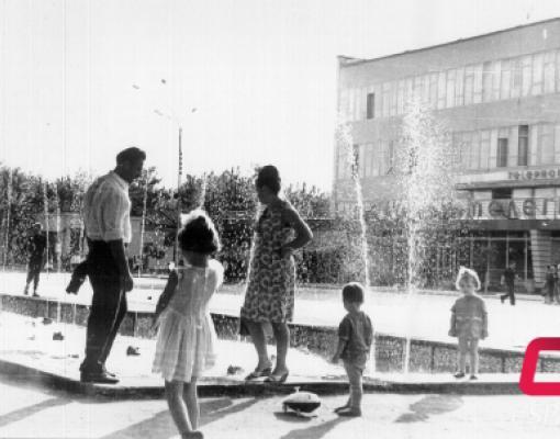 Старый фонтан на центральной площади Бельц. 60-70-е годы. Старые Бельцы.