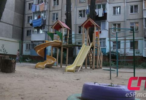 Детская площадка, Бельцы