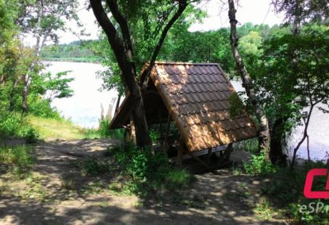 Комсомольское озеро, беседка