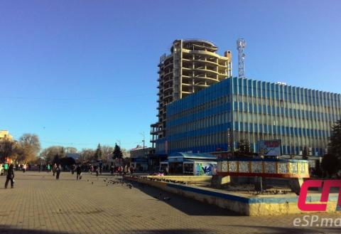 Центральная площадь, Бельцы, Достопримечательности