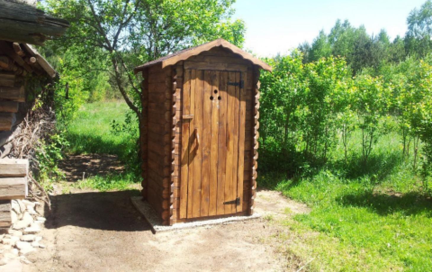 Как построить сельский туалет своими руками