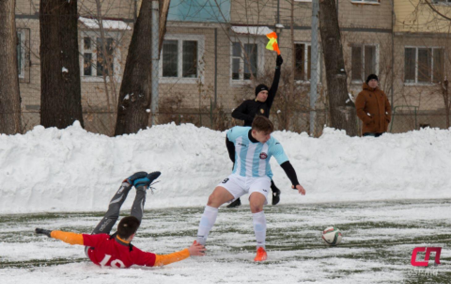 футбольный мемориал Михаила Ионеску в Бельцах