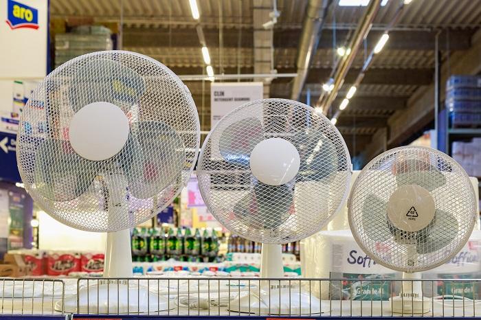 Настольные вентилятор